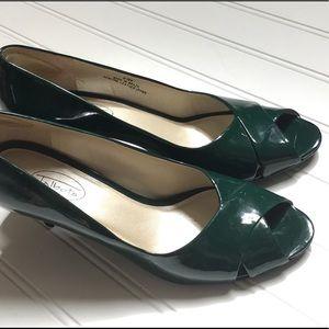 Women's Talbot's Shoes Size 8.5w